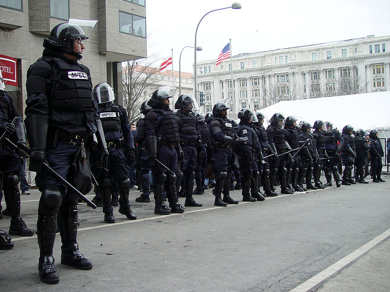 http://theeconomiccollapseblog.com/wp-content/uploads/2011/11/The-Police-State-Vs.-Occupy-Wall-Street-This-Is-Not-Going-To-End-Well-For-Any-Of-Us.jpg