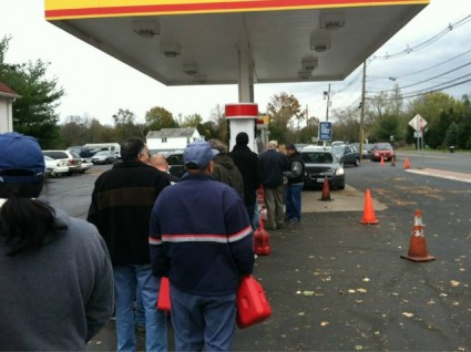 Anarchy Along The Jersey Shore And On Long Island In The Aftermath Of Hurricane Sandy   Gas-Lines-In-New-Jersey-Photo-Posted-to-Twitter-by-Internets-Mike-425x318   Civil Disobedience News Articles US News