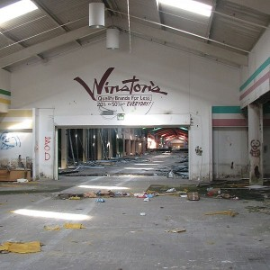 20 FACTS ABOUT THE GREAT U.S. RETAIL APOCALYPSE THAT WILL BLOW YOUR MIND SOURCE: MICHAEL SNYDER, BLN CONTRIBUTOR If the U.S. economy is getting better, then why are major retail chains closing thousands...