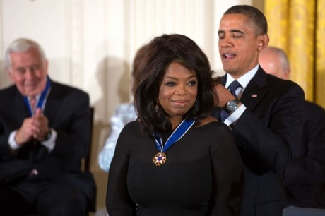 Oprah Winfrey_receives_2013_Presidential_Medal_of_Freedom - Public Domain